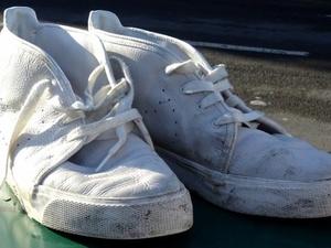 6 способов вернуть первозданный вид белым кроссовкам