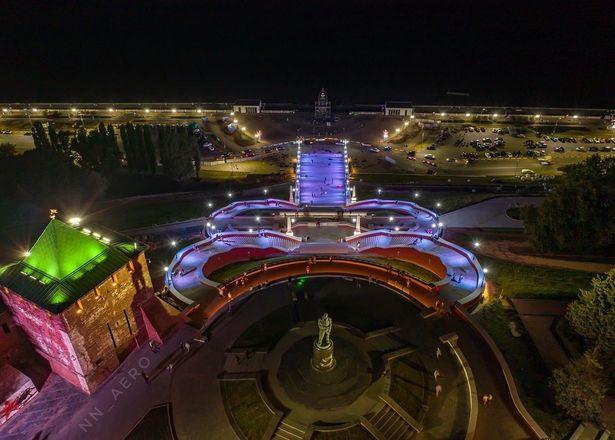 Появились первые фотографии Чкаловской лестницы с подсветкой - фото 2
