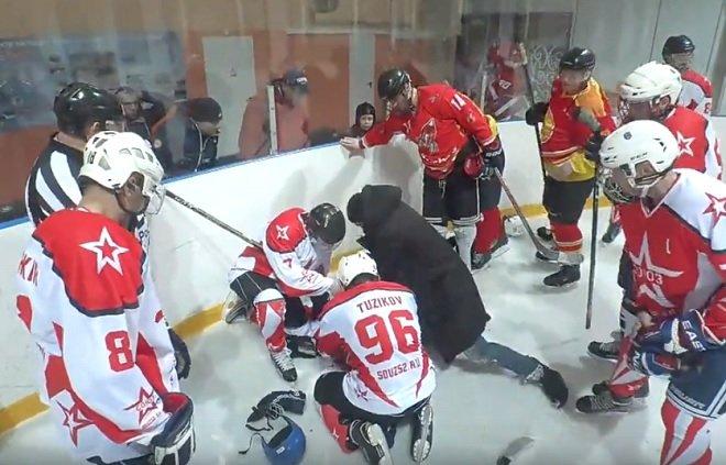 В Кстове тренер хоккейной команды спас игрока от смерти - фото 1