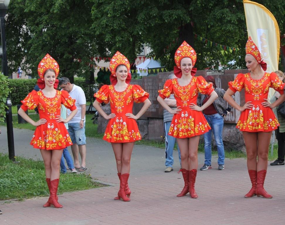 Фестиваль красок и выставка ретро-автомобилей пройдут в Нижнем Новгороде 12 июня - фото 1