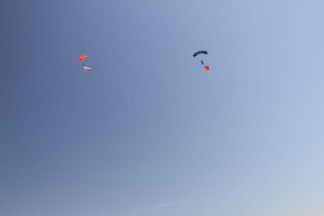 Пятиметровые флаги появились в небе над Богородским районом - фото 2