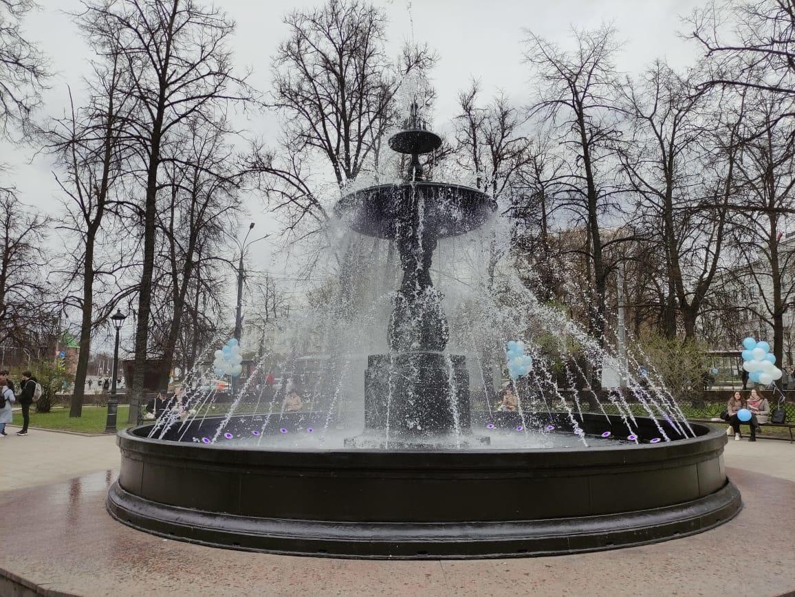 Фонтан на площади Минина и Пожарского заработал в Нижнем Новгороде - фото 1