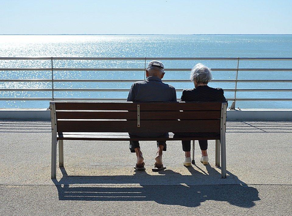 Почему в старости мы становимся ниже ростом? - фото 1