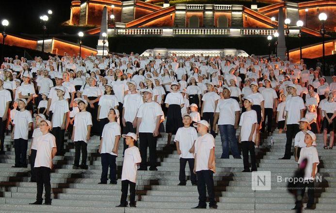 Хор из 800 голосов спел на Чкаловской лестнице - фото 6