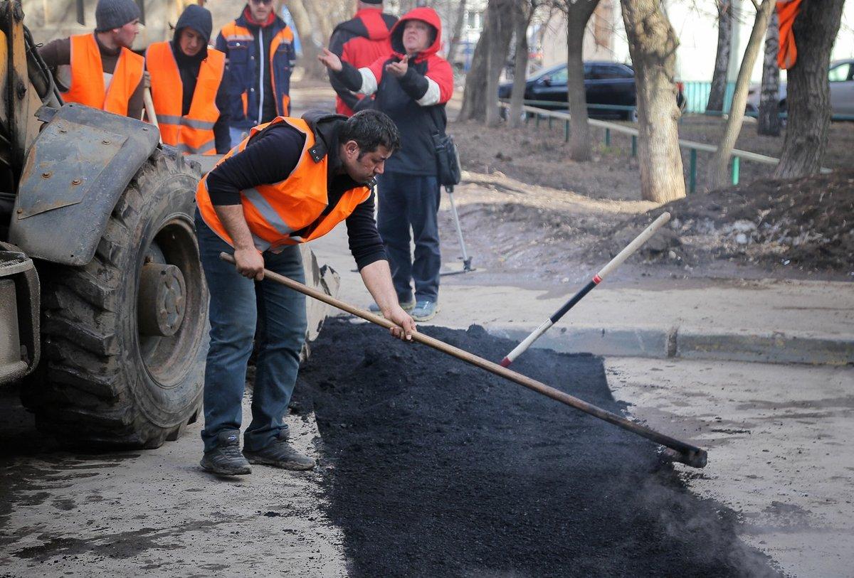 Нижегородцев просят выбрать самые нуждающиеся в ремонте улицы - фото 1