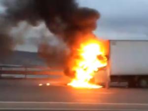 «ГАЗель» сгорела на Мызинском мосту