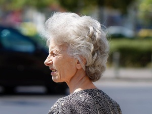 Ваши волосы седеют не из-за возраста, а вот почему