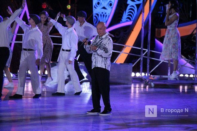 Огонь, вода и звезды эстрады: Как прошло гала-шоу 800-летия Нижнего Новгорода - фото 32