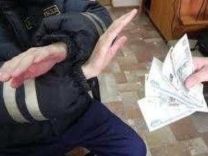 Боясь ареста за неоплаченный штраф, нижегородец дал взятку полицейскому