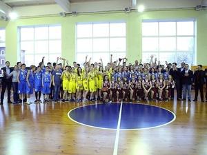 Около ста команд собрал чемпионат Школьной лиги «КЭС-баскет» в Нижнем Новгороде