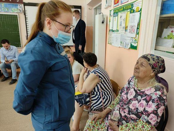Психологи работают с жильцами пострадавшего от взрыва дома в Сормове - фото 1