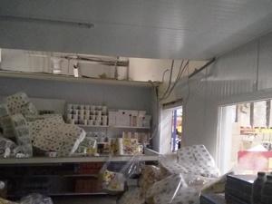 Потолок холодильной камеры обрушился в магазине «Светофор» в Дзержинске