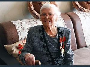 102-летней нижегородке вручили юбилейную медаль в честь 75-летия Победы