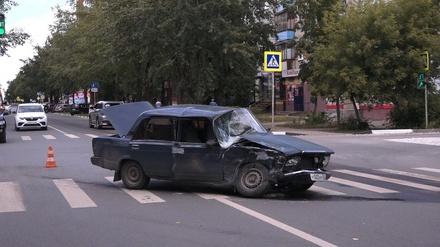Два человека пострадали во время ДТП в Дзержинске