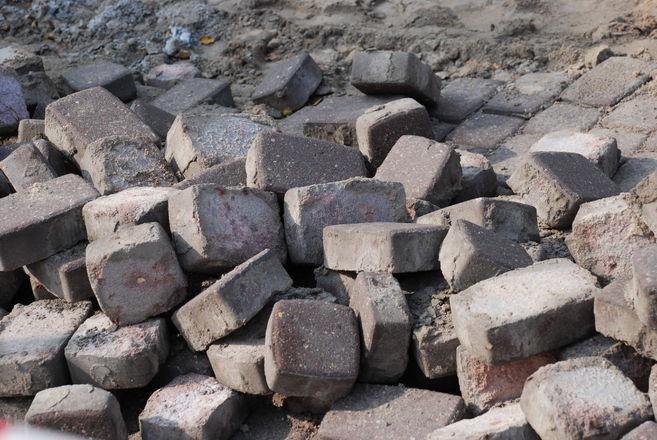 Снятая брусчатка сБольшой Покровской передана администрациям районов Нижнего Новгорода