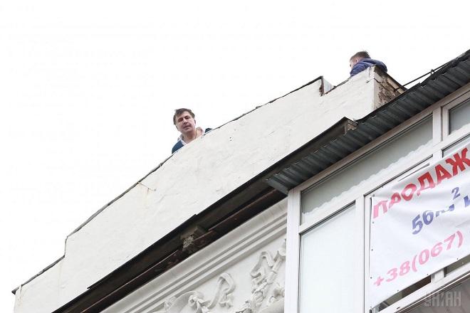 Саакашвили задержали накрыше восьмиэтажного дома