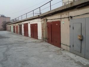 Трое нижегородцев отравились парами краски в гараже