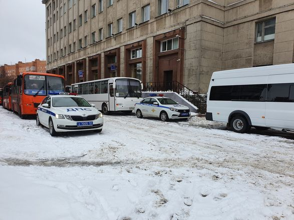 Протестующие собрались в центре Нижнего Новгорода - фото 5
