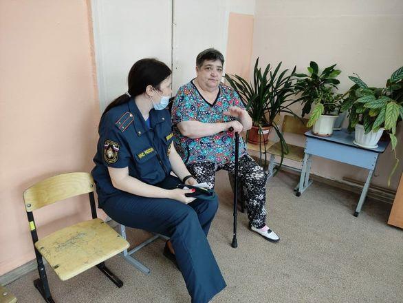 Психологи работают с жильцами пострадавшего от взрыва дома в Сормове - фото 2