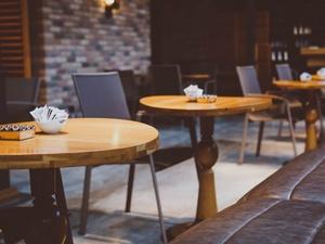 Никитин «отвоевал» у Роспотребнадзора один час для кафе и ресторанов