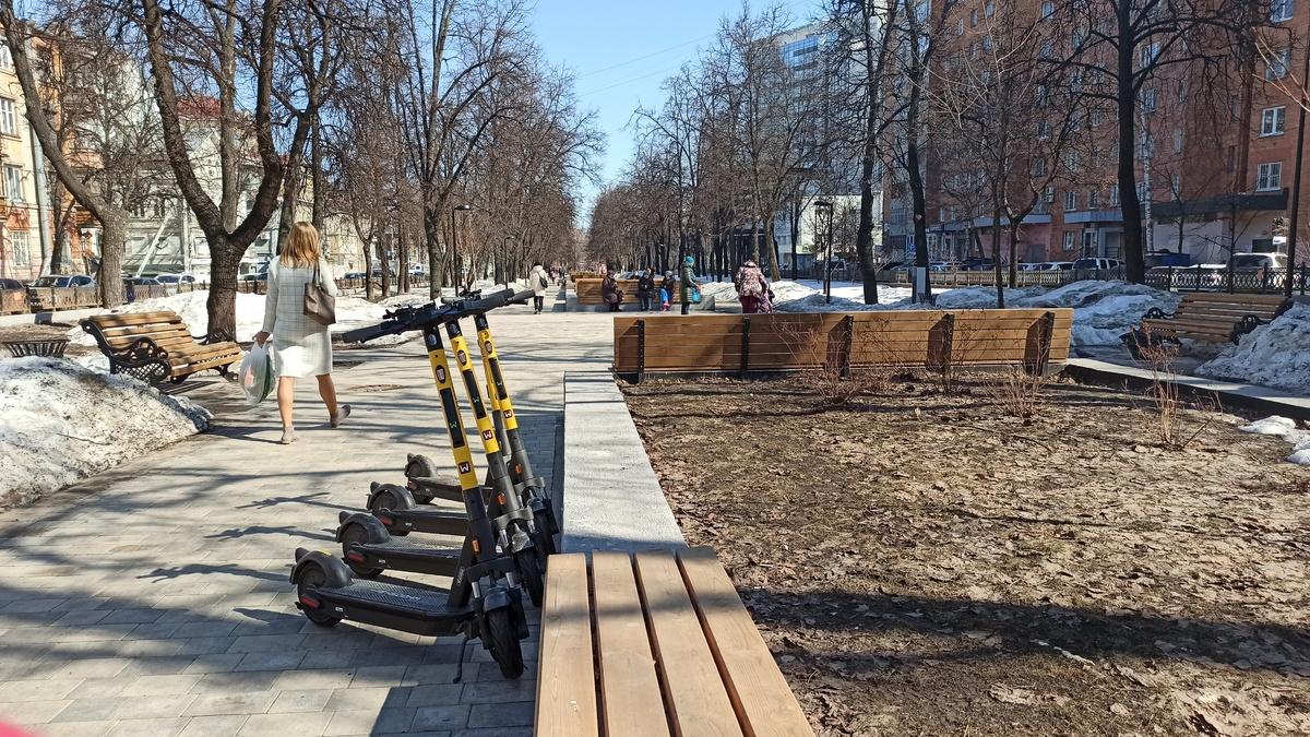 Ограждение сквера на Звездинке начали восстанавливать в Нижнем Новгороде - фото 1