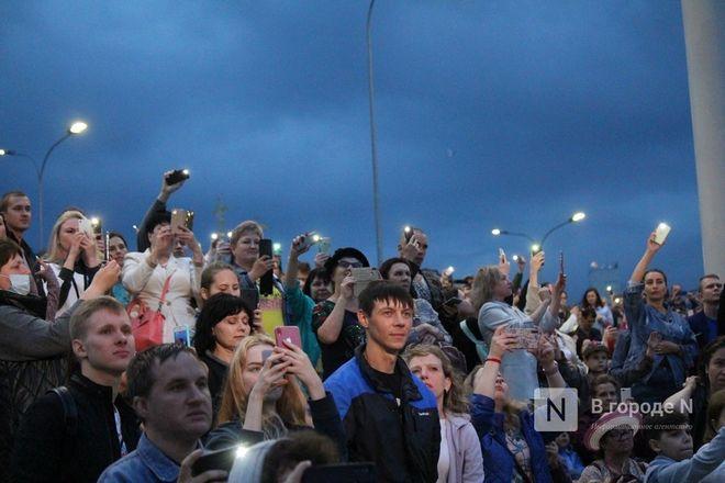 «Столица закатов» без солнца: как прошел первый день фестиваля музыки и фейерверков в Нижнем Новгороде - фото 58